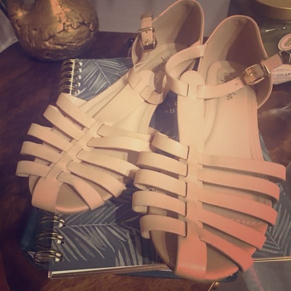 Paprika closed toe sandals
